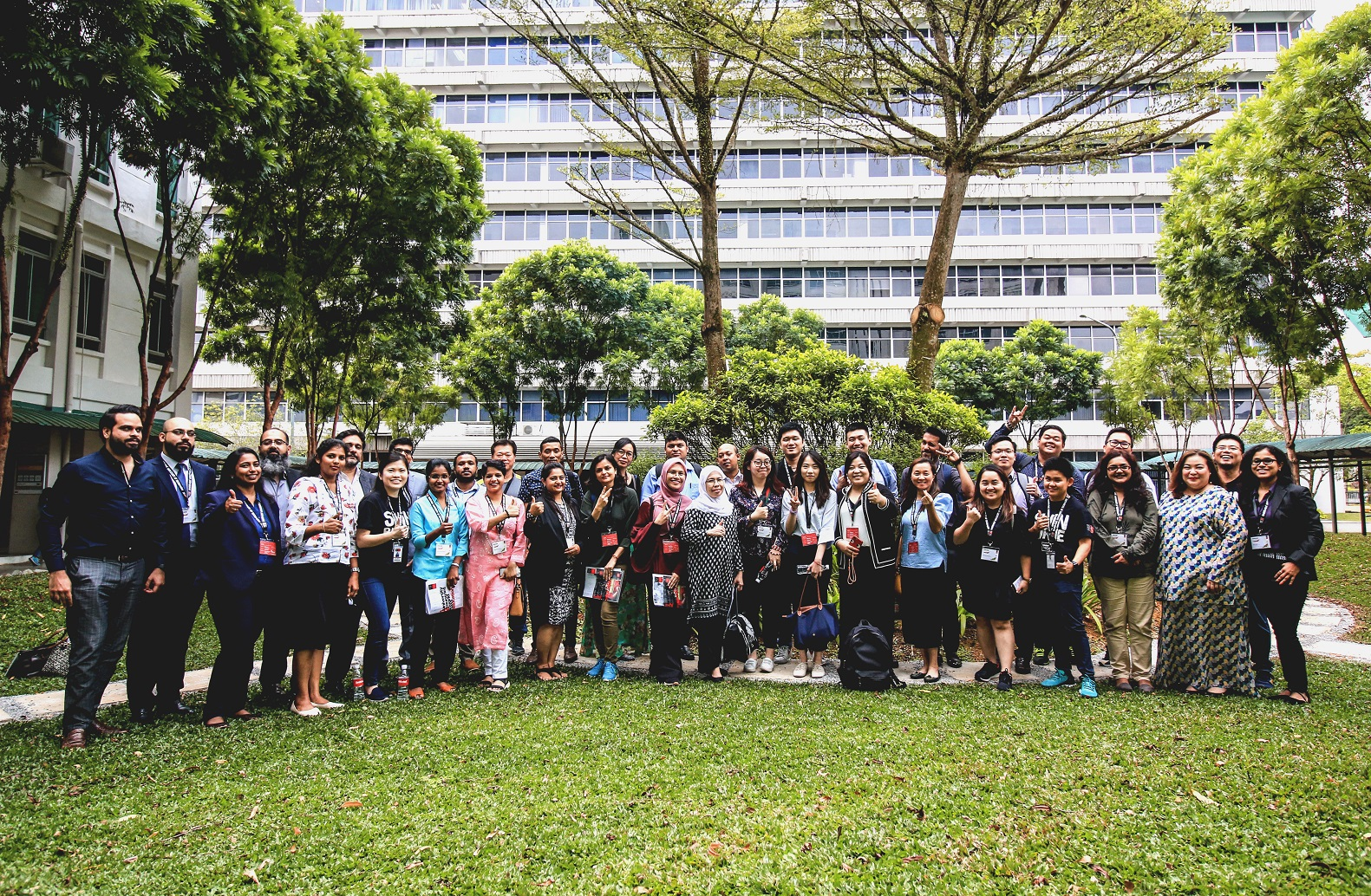 Group photo of the partners and Swinburne staff.