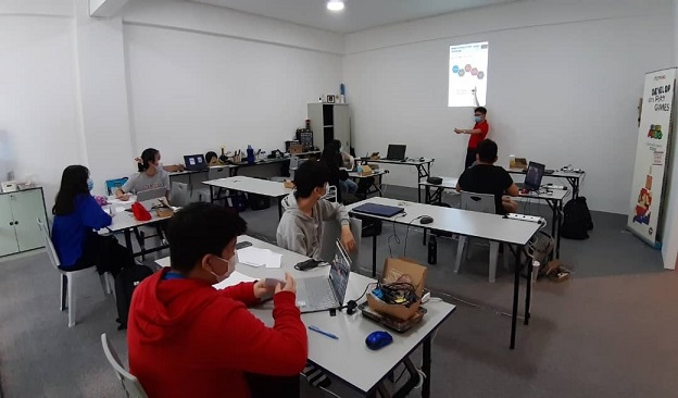 One of the coding and electronic boot camps held in three cities.